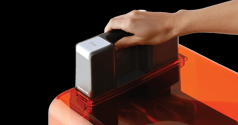 歯科用3Dプリンター Form2 樹脂自動充填システム